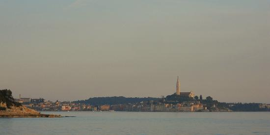 Amarin Studio and Apartments: The view of the old town of Rovinj, taken from Amarin's beach