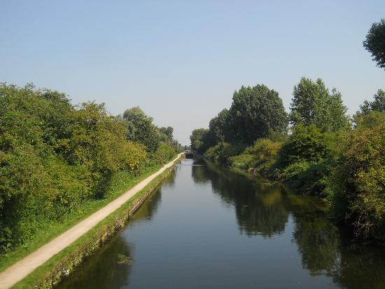 an introduction to the lea valley regional park Lee valley camping and caravan park, edmonton is in easy reach of central  london and the attractions of lee valley regional park a perfect location for  your.