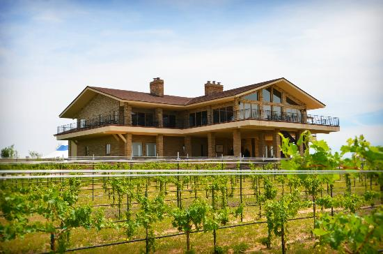 IV Lodge & Vineyard