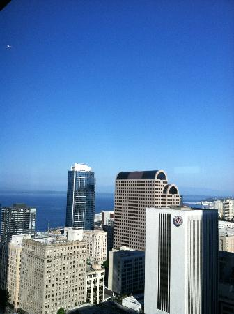 Hilton Seattle: View from the Top of the Hilton breakfast area
