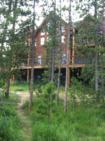 Moose Lake Lodge, LLC: View of the house from the dock