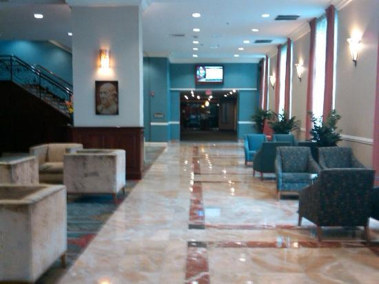 DoubleTree by Hilton Hotel Philadelphia - Valley Forge: Lobby
