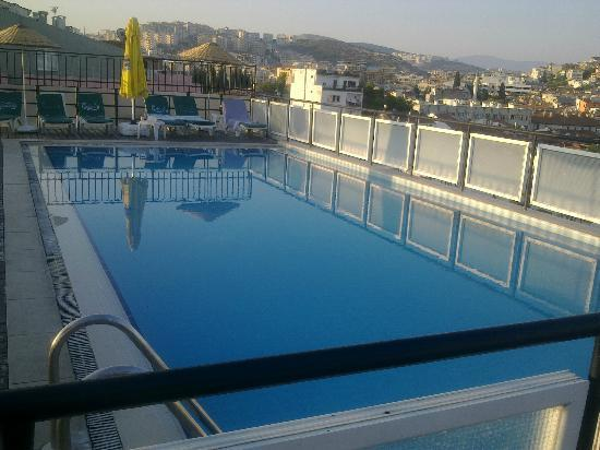 Surtel Hotel Kusadasi: The pool