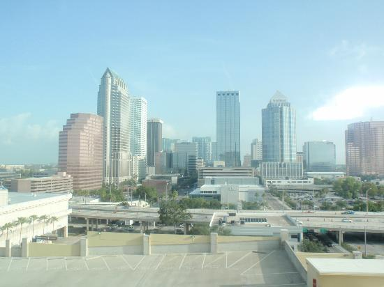 Embassy Suites by Hilton Tampa - Downtown Convention Center: View from the room - City view