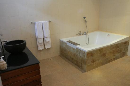 Tepe Villa Lux: bathroom