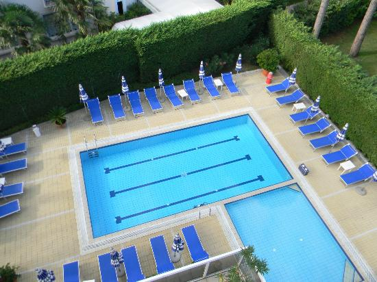 Aparthotel Harvey a Jesolo: Pool