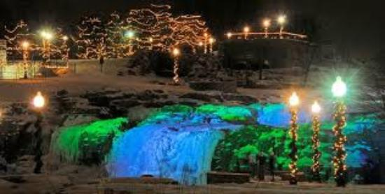 Winter Wonderland At Falls Park Picture Of Red Roof Inn Sioux Falls Sioux Falls Tripadvisor