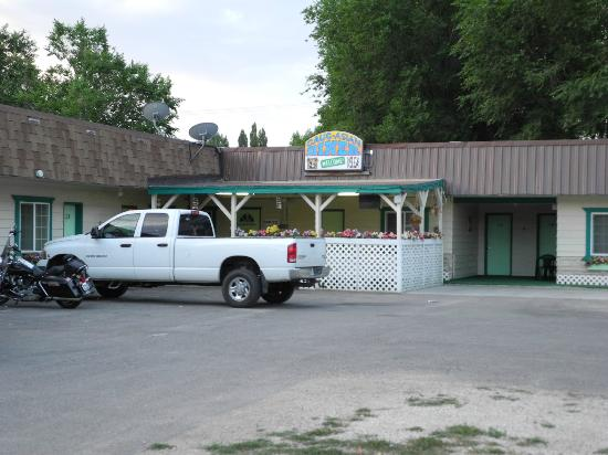 Western Motel's Cauc-Asian Restaurant