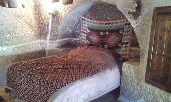 Star Cave Hotel: Double bed