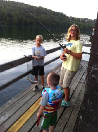 Lakeshore Resort: fishing on Lakeshore&#39;s dock