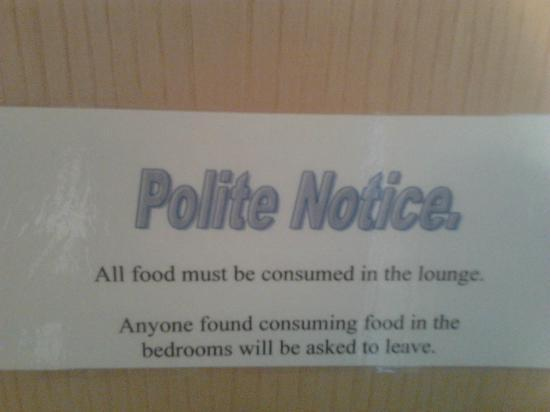 Central House Guest House: Don&#39;t eat in your room or else!