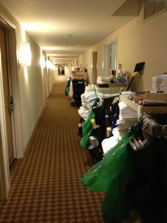 Sheraton Palo Alto Hotel: They stored the maid&#39;s cart in hallway in front of our room