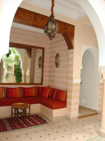 Riad RabahSadia: Seating area