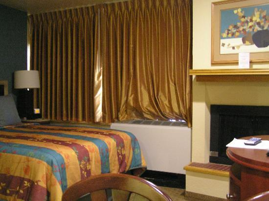 Tahoe Seasons Resort: Bed room