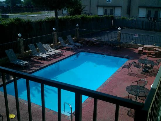 Motel 6 Memphis - Graceland: Pool