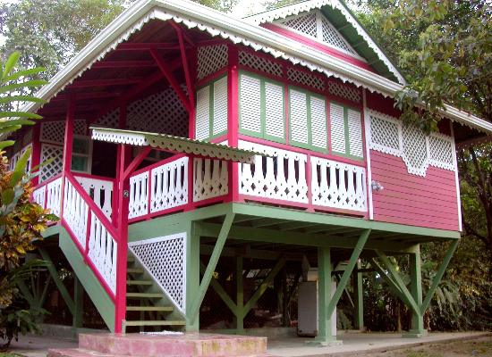 Aguas Claras Beach Cottages: Red Cottage