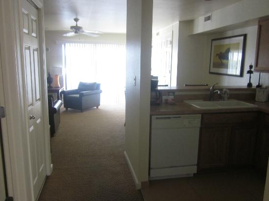 Resort at the Lake of the Ozarks: 1 BR condo - building B