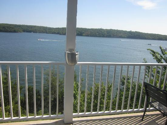 Resort at the Lake of the Ozarks: Balcony 1 BR condo