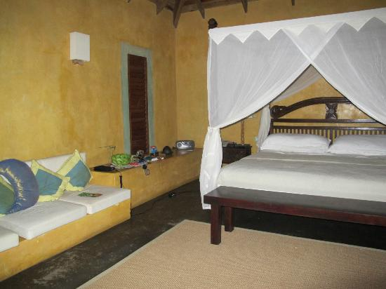 Laluna Hotel: Our pretty room