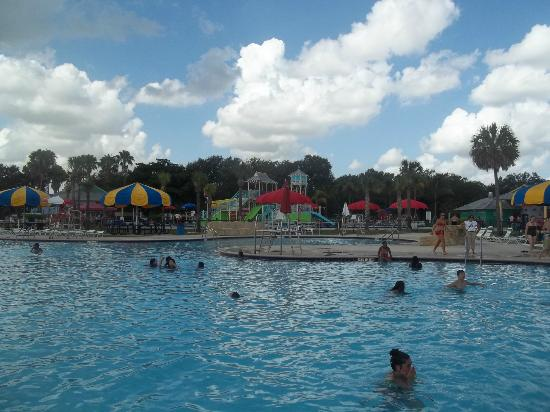 Great waterpark for kids picture of topeekeegee yugnee for Club piscine west island
