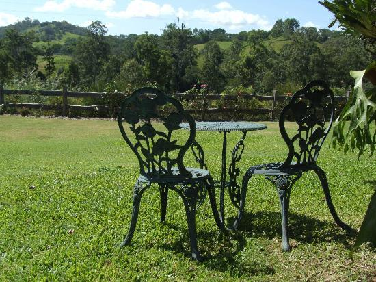 Amamoor, Australia: Look out over the rolling hills