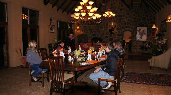 Jamila Game Lodge: Dinner inside