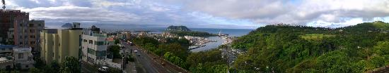 Tae Gong Gak Inn & Guesthouse: Seogwipo harbor from TGG rooftop