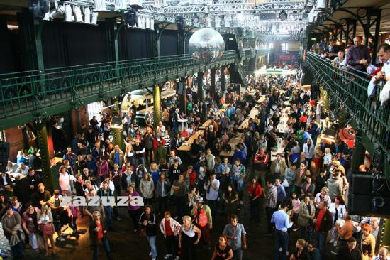 Live band and fun picture of fish auction hall and for Andreas fish market