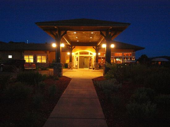 The Inn at Palmer Divide: Front Entrance at Night