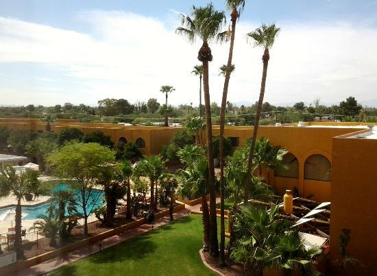 Doubletree by Hilton Tucson - Reid Park: Room with a view