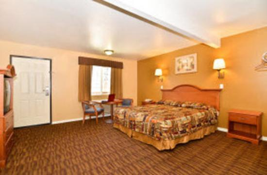 Americas Best Value Inn: Guest Room