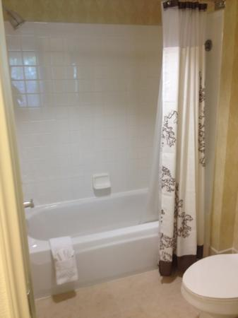Residence Inn Milpitas Silicon Valley: Bathroom shower/tub