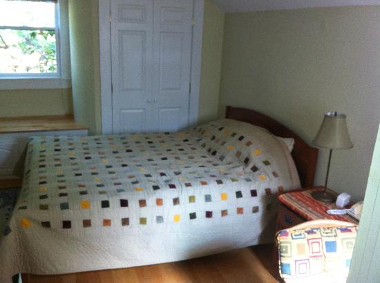 Cambridge Vacation Rental Rooms: bed room #2