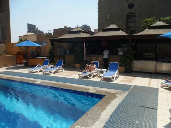 Safir Hotel Cairo: Pool bar