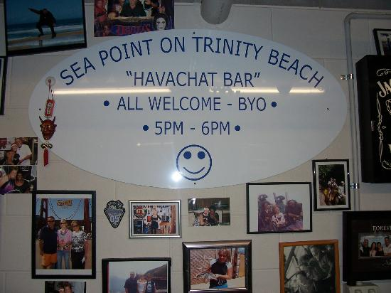 Sea Point on Trinity Beach: HAVACHAT (Happy Hour Bar) Where You Meet Alot Of Nice People