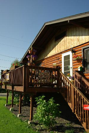 Downtown Log Cabin Hideaway Bed and Breakfast - Fairbanks, Alaska: Entrance to Main Building