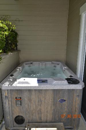 Avila Village Inn: jacuzzi in room 109