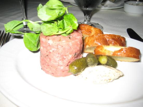Poplar Springs-The Inn Spa: Amazing Beef Tartare The Best!
