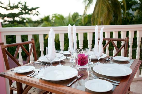 The Villas at Sunset Lane: Dinner set up on Balcony