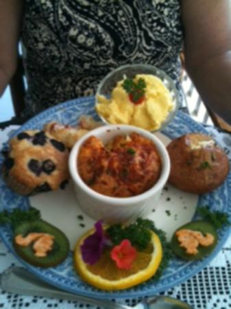 Humphrey Hughes House: Breakfast...everything is homeade and delish!!