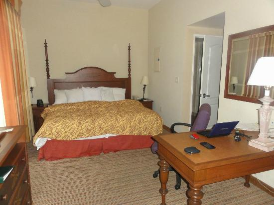 Homewood Suites by Hilton La Quinta: King Bed room 105