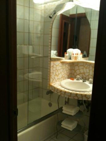 Cardozo Hotel: very small like a bathroom at someone's house