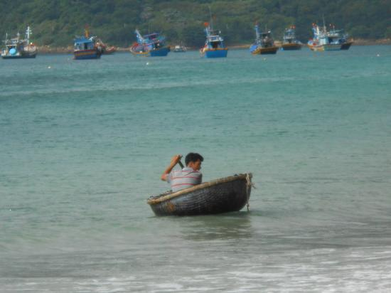 Outlook picture of con dao camping con son tripadvisor for Round fishing boat