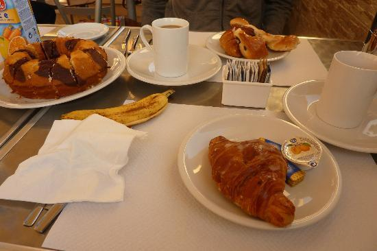 Hotel Fawlty Towers: Desayuno