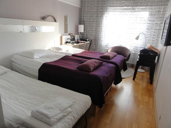 Scandic Hotel Uplandia: Doppelzimmer mit aufgestelltem Extrabett