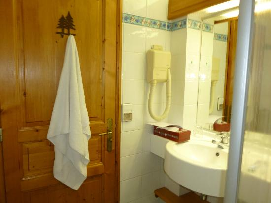 Chalet hotel La Marmotte: Salle de bain