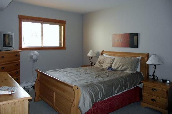 Canmore Crossing: Master Bedroom