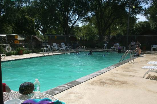 West Omaha KOA: The swimming pool area