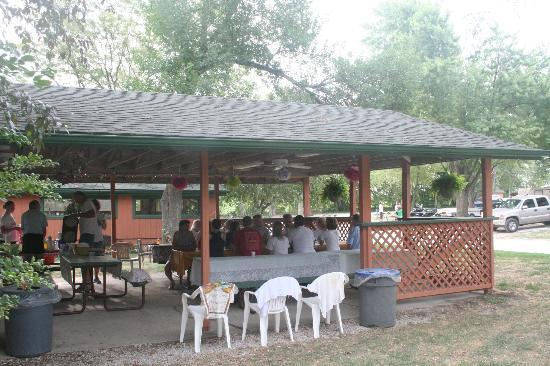 West Omaha KOA: The shelter