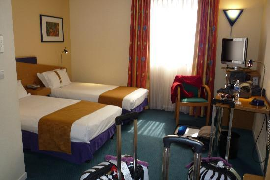 Holiday Inn Express Arras : Room